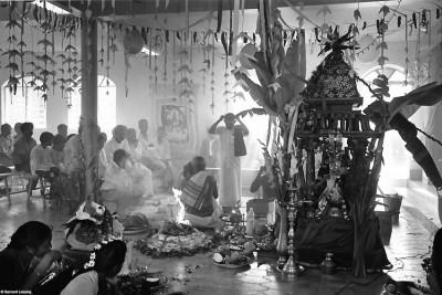 Inauguration du nouveau temple, Trois-Bassins, 1992 © Bernard Lesaing