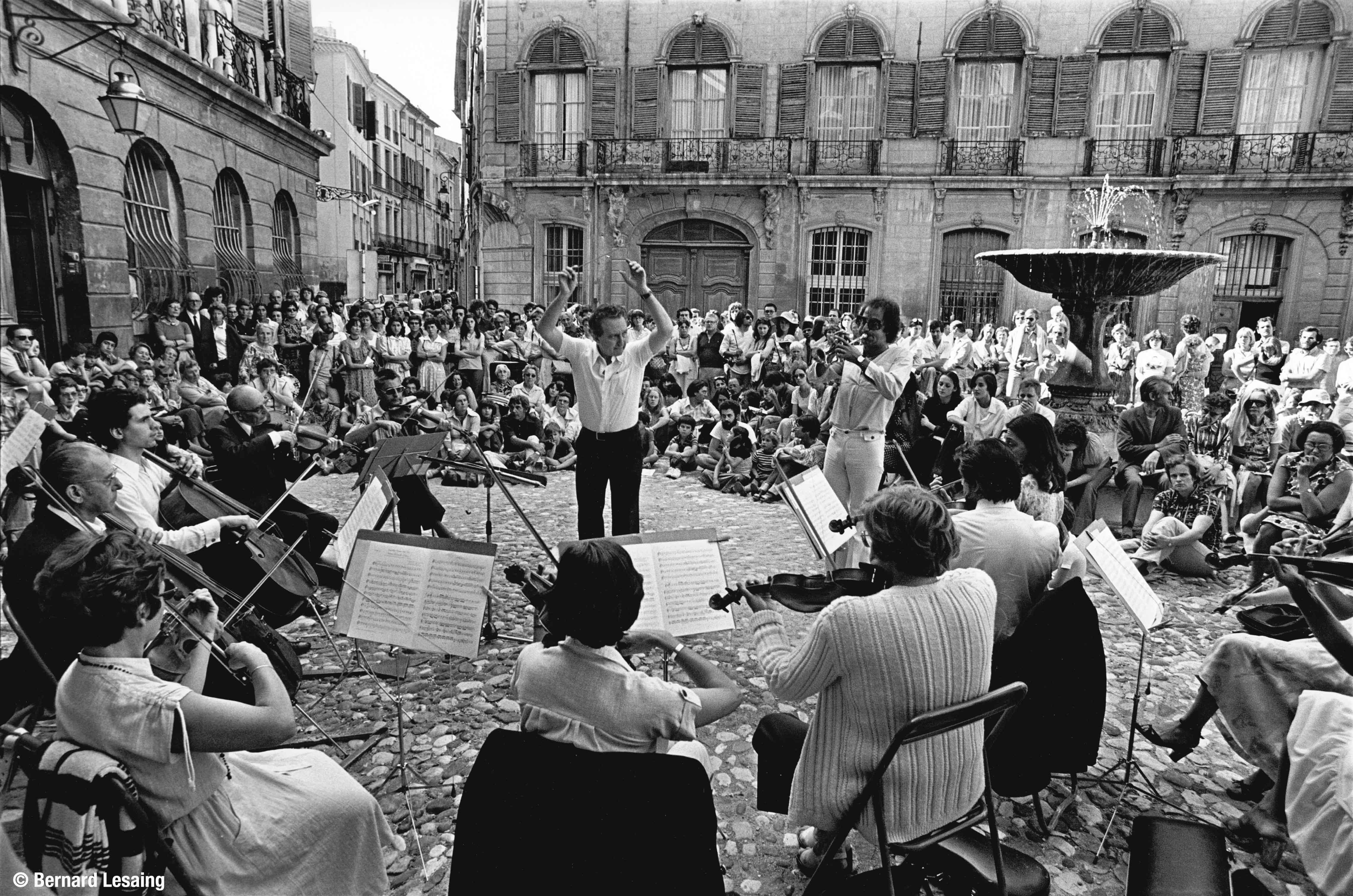 Musique dans la rue, place d'Albertas 1977