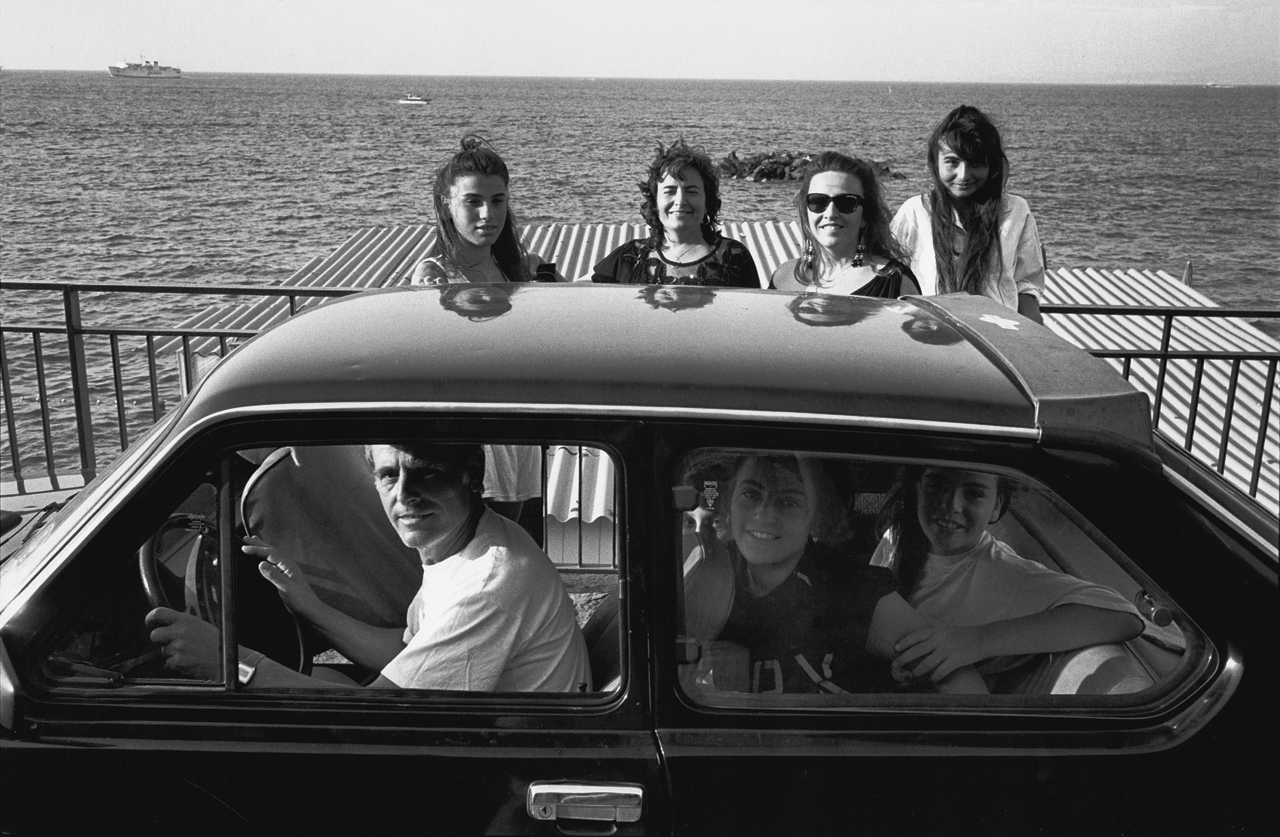 Sur la corniche, Ischia Porto, 1990-92 © Bernard Lesaing