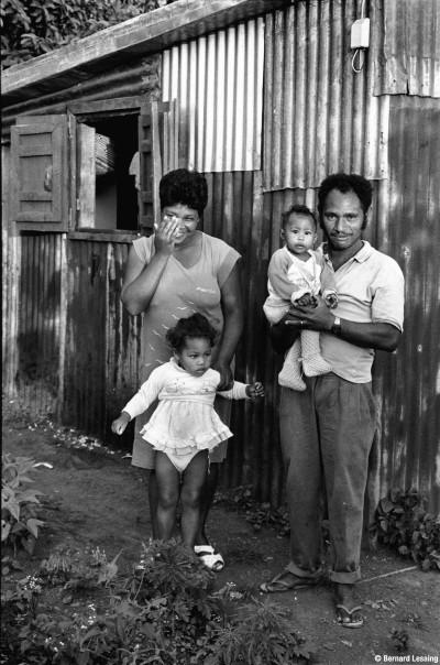 Portrait de famille, Trois-bassins, 90's, © Bernard Lesaing