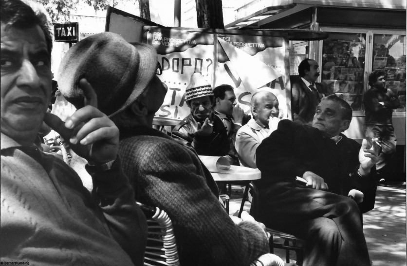 Commentaires électoraux à Casamicciola, Ischia, 1990-92 © Bernard Lesaing