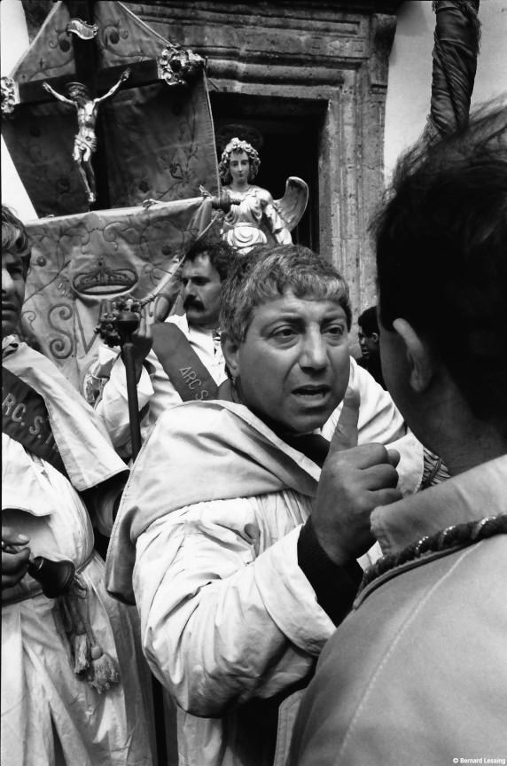 Procession de l'ange à Pâques, Forio, Ischia, 1990-92 © Bernard Lesaing