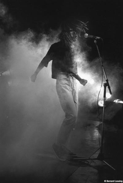 En concert, fête de Témoignages, Le Port, 90's © Bernard Lesaing
