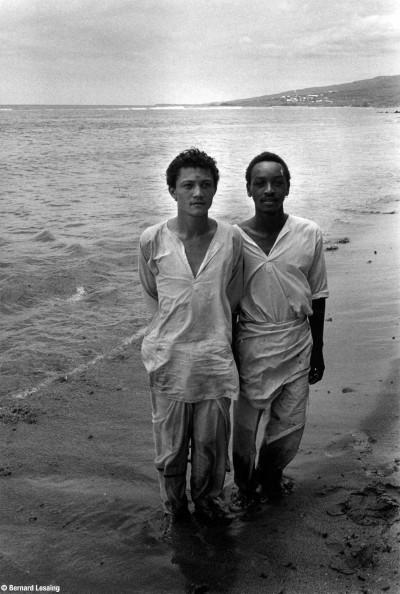 Bain des pénitents, lagon de Saint-Leu, 90's © Bernard Lesaing